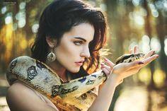 Woman with snake - foto: Marketa Novak make-up: Tereza Kocábová snake: Kontaktní…