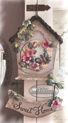 sospeso and decoupage 3 d - a small house with birds pendant - Decoupage - inspiracje - Decoupage Art, Decoupage Vintage, Hobbies And Crafts, Diy And Crafts, Arts And Crafts, Tole Painting, Painting On Wood, Wood Crafts, Paper Crafts