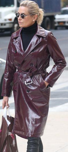 Long Leather Coat, Leather Jacket, Leder Outfits, Rain Wear, Leather Fashion, Raincoat, Actresses, Womens Fashion, Sexy