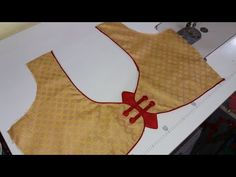 easy blouse design/blouse design/by akanksha fashion Wedding Saree Blouse Designs, Saree Blouse Neck Designs, Blouse Patterns, Patch Work Blouse Designs, Simple Blouse Designs, Valentines Day Wallpaper Phone Wallpapers, Tailoring Classes, Hand Designs, Fasion