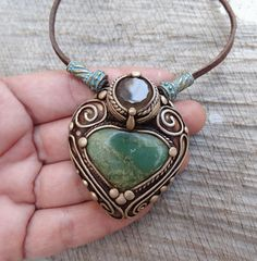 SHIPPING INCLUDED Chrysoprase and Smoky Quartz Pendant