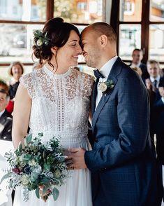 """Hochzeitsfotografin Österreich auf Instagram: """"Juni? Na Bravo 🙈 Ich bin ja schon gespannt wie sich das Veranstaltungsverbot bis Ende Juni auswirkt - ob da auch die Hochzeiten betroffen…"""" Juni, Wedding Dresses, Instagram, Fashion, Bride Dresses, Moda, Bridal Gowns, Fashion Styles, Weeding Dresses"""