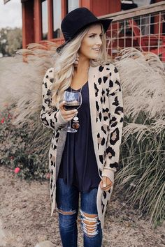 199 charming fall outfits ideas for women that looks cool – page 6 Outfits With Hats, Casual Fall Outfits, Fall Winter Outfits, Autumn Winter Fashion, Cute Outfits, Hipster Fall Outfits, Women's Fall Fashion, Fall Beach Outfits, Bohemian Fall Outfits