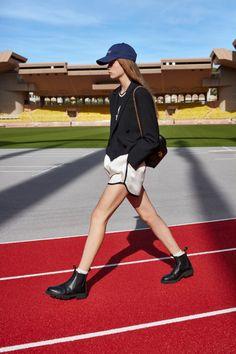 Коллекции | Ready-To-Wear | Весна-лето 2021 | VOGUE Fashion Week, Paris Fashion, Fashion Outfits, Womens Fashion, Celine, Vogue Russia, Fashion Show Collection, Vogue Paris, Mannequins