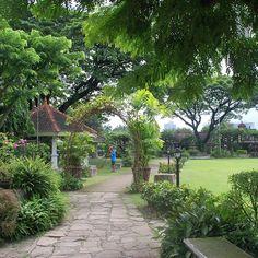 #puertaReal #Garden in #Intramuros - #manila #OldTown. #travel #tbexph #tbex #philippines #itsmorefuninthephilippines :fountain::smiley::heart::earth_americas::camera: