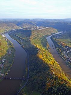 The Moselle Loop at Zell, Rhineland-Palatinate, Germany Beautiful Sites, The Beautiful Country, Beautiful World, Beautiful Places, Eifel Germany, Places To Travel, Places To Visit, Rhineland Palatinate, Scenic Photography