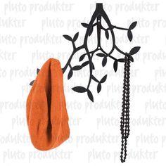 Pluto Wandgarderobe Leafs schwarz  Wie im Märchen! Da kommt man gleich ins Träumen! Mit genügend Aufhängungen für Jacken, Taschen...  Maße:  ca. 34x30.  Material:  Metall.