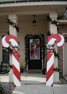 Candy Canes, Christmas Decor, Outdoor Yard Decoration, – The Best DIY Outdoor Christmas Decor Christmas Candy Cane Decorations, Christmas Yard Art, Diy Christmas Gifts For Family, Dollar Store Christmas, Christmas Makes, Beautiful Christmas, Christmas Lights, Christmas Crafts, Christmas Ornaments