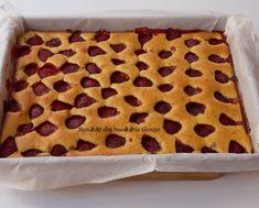Prajitura cu iaurt si capsuni - Bunătăți din bucătăria Gicuței Cheesecake, Anna, Pie, Desserts, Food, Torte, Tailgate Desserts, Cake, Deserts