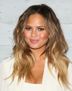 50 haircuts to copy right now | Chrissy Teigen's long sombré beachy waves