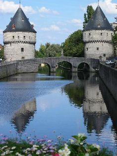 """Kortrijk, Belgium  """"Broel"""" towers (Tom_Terryn, jul 2008)"""