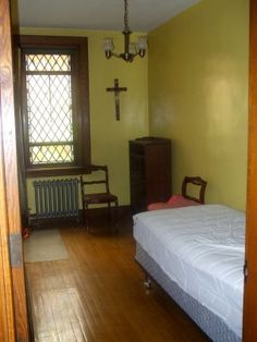 monestary room | Missionaries of the Eucharist: Precious Blood Monastery Room