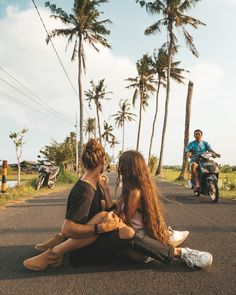 #dream#dreams#dreamchaser#happy#happiness#travel#travelcouple#coupletravel#couple#couplegoals#love#bali#baliindonesia#explorebali#baligasm#islandlife#girlfriend#boyfriend#onewayticketrip#exploremore#fun#inspiration#cute#photooftheday#iamtb#girl#gf#bf#relationshipgoals Cute Lesbian Couples, Hot Couples, Cute Couples Goals, Couple Goals Relationships, Relationship Goals Pictures, Freaky Pictures, Couple Pictures, What Makes You Happy, Are You Happy