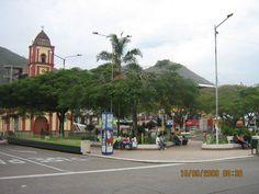 Plaza de Armas, La Merced, Chanchamayo, Perú