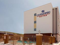 San Antonio (TX) Candlewood Suites San Antonio North Stone Oak Area United States, North America Candlewood Suites San Antonio North Stone Oak Area is a popular choice amongst travelers in San Antonio (TX), whether exploring or just passing through. The hotel offers a wide range of amenities and perks to ensure you have a great time. To be found at the hotel are free Wi-Fi in all rooms, 24-hour front desk, facilities for disabled guests, valet parking, BBQ facilities. Guestroo...