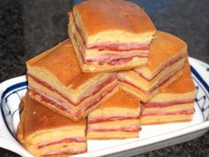 PortuLucía: Bola de carne Wine Recipes, Mexican Food Recipes, Sweet Recipes, Dessert Drinks, Dessert Recipes, Fun Cooking, Cooking Recipes, Tapas, Bread And Company