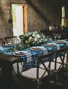 La Tavola Fine Linen Rental: Carlton Blue King's Overlay | Photography: Studio Castillero, Planning & Design: Harmony Creative Studio, Florals: Heirloom Design House