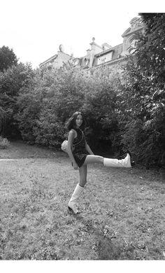 Chanel-Nicole_Warne-Paris-8-950x1573@2x.jpg (1900×3146)
