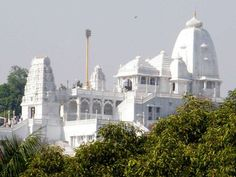 12. Birla Mandir This white marble temple of Lord Venkateshwara floats on the city skyline, on Kala Pahad. The idol in the temple is a replica of the one at Tirumala Tirupati.
