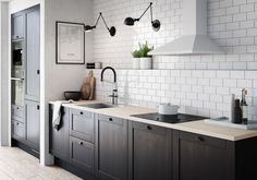 Oras Optima smart kitchen faucet with professional level features. Scandinavian classic kitchen style with subway tiles and wooden finishes. Smart Home Design, Leaky Faucet, Hanging Racks, Smart Kitchen, Shop Front Design, Duravit, Healthy Recipes For Weight Loss, Updated Kitchen, Home Buying