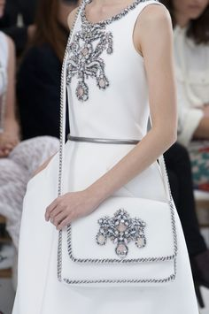Close-up Chanel haute couture, automne-hiver 2014-2015 #PFW #parisfashionweek #FW1415