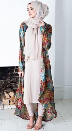 Abaya Dubai and Hijab Fashion for Arabic Muslims style of some Abaya Designs, we can buy Abaya Online many Abaya dress in Muslim Fashion. Islamic Fashion, Muslim Fashion, Modest Fashion, Fashion Outfits, Fashion Ideas, Fashion Styles, Trendy Fashion, Hijab Mode, Mode Abaya