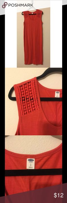 Old Navy Midi Dress Old Navy Coral midi dress. Size large. Has crotchet detail at shoulders. Very soft stretchy jersey material. Casual yet still stylish! From a SMOKE FREE home! Old Navy Dresses Midi