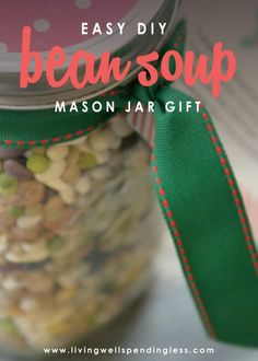 Looking for a thoughtful food gift alternative that doesn't require hours in the kitchen? This pretty 15 Bean Soup Jar is not only inexpensive to make, it literally comes together in minutes for a delicious homemade gift that is sure to be appreciated. Mason Jar Meals, Mason Jar Gifts, Meals In A Jar, Mason Jar Diy, 15 Bean Soup, Soup In A Jar, Canning Jar Lids, Large Mason Jars, Easy Homemade Gifts