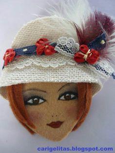 fietro Doll Crafts, Diy Doll, Cute Crafts, Felt Ornaments Patterns, Felt Crafts Patterns, Homemade Dolls, Felt Pictures, Felt Brooch, Brooches Handmade