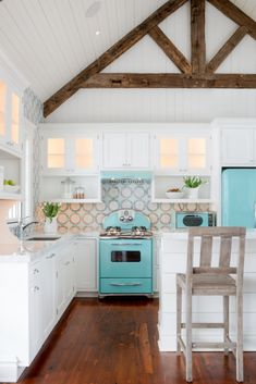 2017 Kitchen Remodeling Trends To Look Out For [Farmhouse Kitchen, Kitchen Ideas, Kitchen Remodel Ideas, Kitchen Trends, 2017 Kitchen Trends, Windowed Cabinets, White Kitchen Cabinets, Marble Countertops]