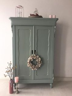 Discover recipes, home ideas, style inspiration and other ideas to try. Cute Room Decor, Diy Bedroom Decor, Home Decor, Brocante France, Brocante Paris, Paint Furniture, Furniture Makeover, Furniture Inspiration, Upcycled Furniture
