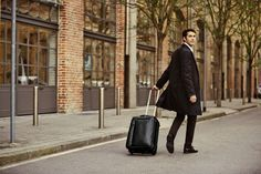 Buy Piquadro bags, wallets, business and travel accessories from the official online store.