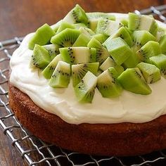 Lemon buttercake with thick cream and kiwifruit.