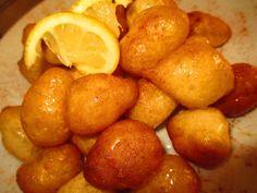 Λουκουμάδες της μπουμπούς Σπέσιαλ λουκουμάδες με αυγά, άρωμα βανίλιας και καταγωγή μικρασιατική.