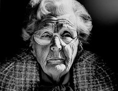 Our former queen Juliana (mother of Beatrix) Great portrait by Vincent Mentzel.