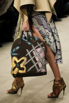 Burberry Fall 2014 - paint on handbag