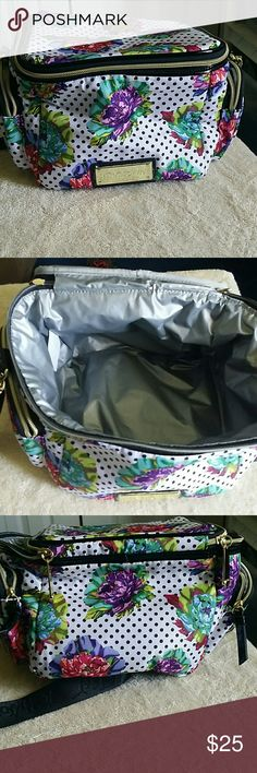 Betsey Johnson Lunch bag. Betsey Johnson Lunch bag. Never used! Betsey Johnson Bags