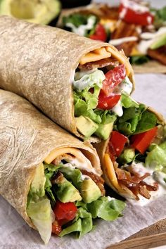 Avocado Bacon and Ranch Wraps are EASY! Similar to the classic BLT wraps but with avocados! Wheat tortilla's make them healthier Bacon Lettuce Wraps, Bacon Avocado, Blt Recipes, Wrap Recipes, Cooking Recipes, Healthy Recipes, Avocado Recipes, Yummy Wraps, Italian Recipes