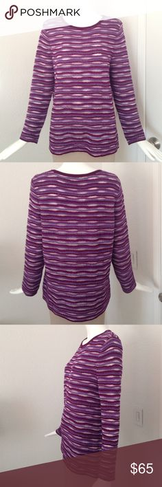 """ST. John sweater No flaw. Measurement approximately underarm width 20"""" sho to hem 25"""" 57% wool. 28%  rayon.  7% nylon. 5% polyamide 3% angora. Color: last picture. I donot Trade!!!! St. John Sweaters Crew & Scoop Necks"""