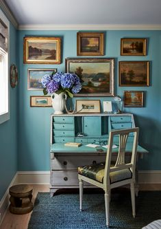 Rooms with Traditional Art vs. Edgy Contemporary Art - 1stDibs Introspective Interior Stylist, Interior Design, Eclectic Design, Red Walls, Blue Rooms, Elle Decor, Traditional Art, Home Office, Beautiful Homes