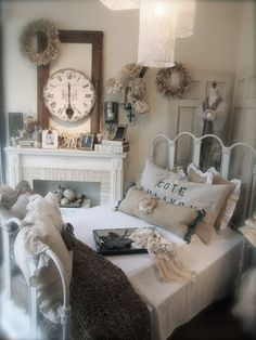 So Shabby Vintage.Beautiful two old doors used in the corner behind bed. set at angle in the corner.by fireplace. Shabby Vintage, Bedroom Vintage, Looks Vintage, Vintage Decor, Vintage Style, Shabby Chic Cottage, Shabby Chic Decor, Room Photo, My New Room