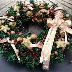 Andílek+v+jehličí+Věneček+z+šišek+a+umělého+jehličí,+andílek,+průměr+30+cm. Christmas Wreaths, Holiday Decor, Home Decor, Xmas, Decoration Home, Room Decor, Advent Wreaths, Interior Decorating