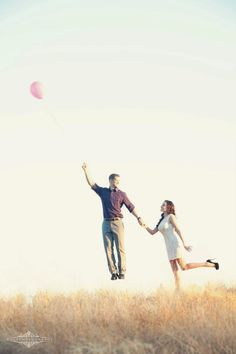 Creative engagement photography Balloon E-session