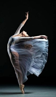 Modern Dance Photography Inspiration Life New Ideas Ballet Art, Ballet Dancers, Ballerinas, Dance Photography Poses, Ballerina Photography, Contemporary Dance Photography, Contemporary Dance Poses, Contemporary Ballet, Portrait Photos