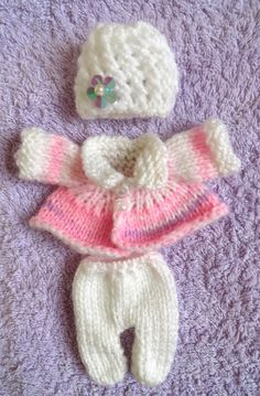 Hand Knitted Dolls Clothes for silicone baby Doll (# – Hand Knitting Crochet Newborn Blanket, Knitted Baby Cardigan, Knitted Headband, Crochet Baby, Doll Clothes Patterns, Doll Patterns, Knitting Patterns, Knitting Ideas, Tiny Dolls