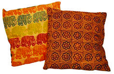 Learn the ancient Indian art of blockwork. Use hand carved block patterns to create a tote bag or gift wrap on the workshop with Arty Craft Place (charges apply).