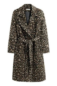 Coat in a felted wool blend with wide notch lapels, concealed side pockets, a wide tie belt at the waist, a single back vent and no buttons. The wool Motif Leopard, Leopard Print Coat, Outerwear Women, Outerwear Jackets, H&m Fashion, Get Dressed, Wool Blend, Jackets For Women, Outfits