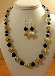 Yellow Splatter Glass Beaded Duo Set by RoxiesJewelryBox on Etsy Beaded Jewelry Designs, Handmade Beaded Jewelry, Bead Jewellery, Necklace Designs, Beaded Statement Necklace, Diy Necklace, Beaded Earrings, Homemade Jewelry, Jewelry Crafts