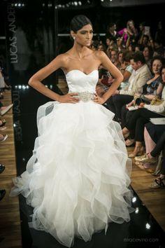 """Cobertura: Os sofisticados vestidos de noiva da coleção """"Lebanese Collection 2014″ de Lucas Anderi – desfile CasaModa Noivas"""