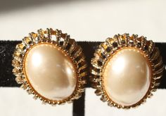 Gorgeous Gold Tone and Pearl Screw/Clip On Earrings Signed Napier